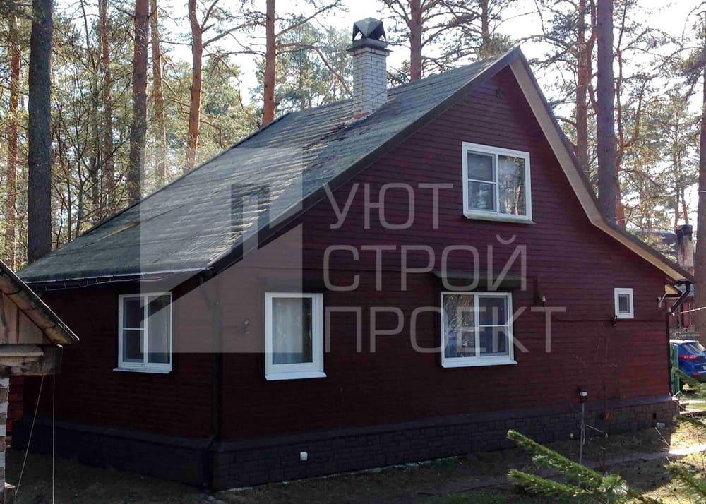 Загородный дом до замены ондулина на металлочерепицу